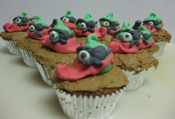 An army of angry pirate bell pepper cupcakes has invaded twitter, courtesy of @iLiveinmyLab